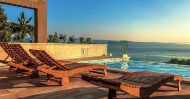 Pensioner Card - pool, holiday, summer